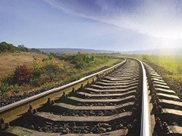 Gennem partnerskab har Parker medvirket til at sætte standarden for jernbanevedligehold,  og producentens slanger er således i dag med til at holde det globale spornetværk kørende i overensstemmelse med de seneste og mest restriktive myndighedskrav til sikkerhed.