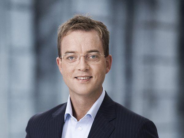 Miljø og fødevareminister Esben Lunde Larsen glæder sig over udsigten til at kunne garantere pålideligt drikkevand uden mikroplast.