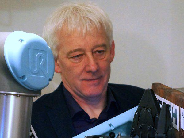 Henning Forbech, ejer af 4TECH ApS, er blandt indlægsholderne henholdsvis den 28., 29. eller 30. maj i Kolding, Aalborg og slutteligt Værløse, når Maskinsikkerhed holder 25 års-jubilæumskonference.