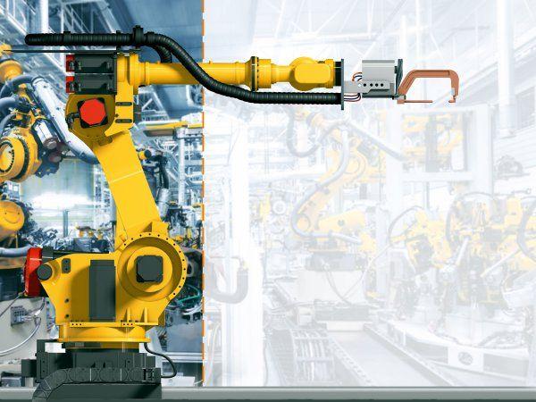 Kablerne til den syvende akse på Fanuc-robotter er designet og testet til yderst dynamiske anvendelser i produktionsanlæg med lange vandringer, fremhæver Igus GmbH.