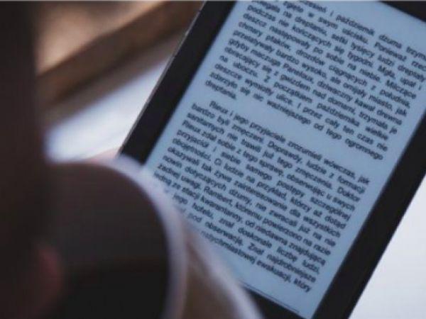Blandt andet giver e-bogen indsigt i hvordan en virksomhed undgår de klassiske IoT-sikkerhedsbrølere, inspiration fra konkrete cases fra virksomheder, der er i gang, samt konkrete tips til, hvordan der kan spares penge ved tidlig implementering.