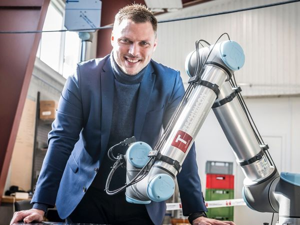 Technicon-CEO Casper Hansen efterlyser at flere vil udbrede teknologien i offentligheden, og foreslår flere pop-up-factories for at skærpe interessen.