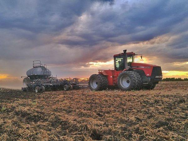 Det koster dyrt, hvis man har nedbrud med landbrugsmaskinerne, så AVN Hydropower er forberedt på at yde hurtig hjælp, understreger firmaet.