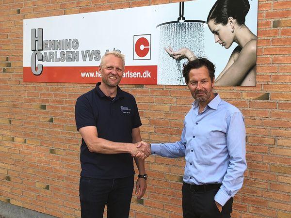 Thomas Thyge (t.v.), Flemming Carlsen VVS, ser frem til at blive indlemmet i Finn L & Davidsen, som Lasse Houengaard (t.h.) er indehaver af.