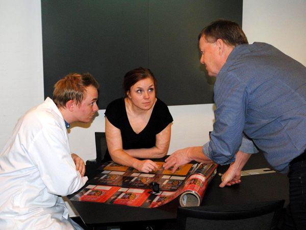 I EHRNO flexible overtager de yngre salgsarbejdet fra de ældre medarbejdere. På billedet ses Jesper Schelander (t.v.),  daglig leder af salg i Jylland og Fyn,  Mette Østergaard, daglig leder af salg i København og  direktør Ole Østergaard. (Foto: PR)