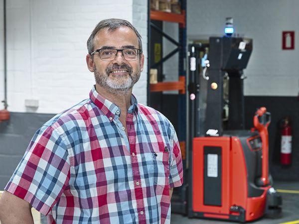 Afdelingsleder Orla Madsen fra Hydra-Grene ser mange perspektiver i de selvkørende AGV-løsninger i virksomhedens forskellige afdelinger, hvor der er brug for hyppige og rutineprægede transporter døgnet rundt.