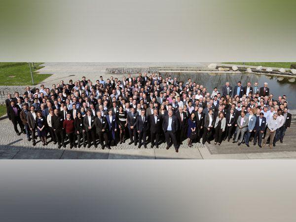 Endress+Hauser har traditionelt lagt stor vægt på forskning og udvikling. Medarbejdere, der yder et signifikant bidrag til en patentansøgning, inviteres til et årligt Innovators' Meeting. Patenter med særlig stor forretningsmæssig indvirkning anerkendes med særlige priser. Årets arrangement blev afholdt i midten af april i tyske Denzlingen nær Freiburg.