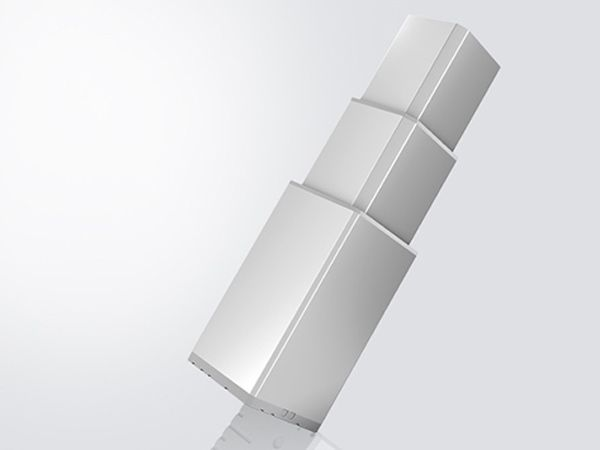 Linak giver med LC3  mulighed for at vælge mellem over 30 kombinationer af kabelføring gennem søjlen. Strømledning, håndbetjening, motorkabel eller jordet profil  er blot nogle udvalgte udgaver.