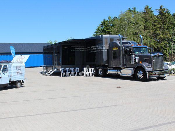 Vega-trucken var torsdag hos Insatech i Bårse, hvor det i alt 60 kvadratmeter store udstillingsrum var foldet ud.