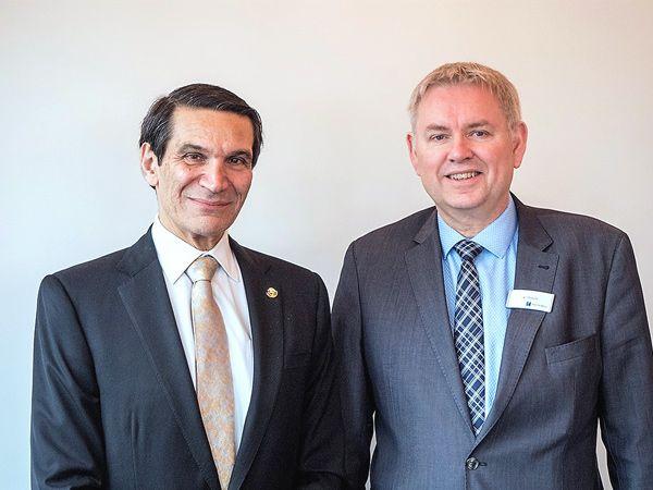 Mexicos ambassadør i Danmark Carlos Pujalte (t.v.) og Hannover Messes danske repræsentant Jan Strauss ser frem imod 2018-udgaven, hvor Mexico er partnerland i Hannover.