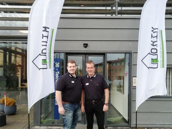 Direktør Jesper Larsen og salgsdirektør Mikkel Kristiansen har startet DHIM og onlineløsningen for at gør det nemmere at overholde kommende lovkrav for el-installationsarbejde.