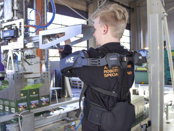 Comaus industrielle exoskeleton har fået navnet MATE, og er nu tilgængeligt på markedet.