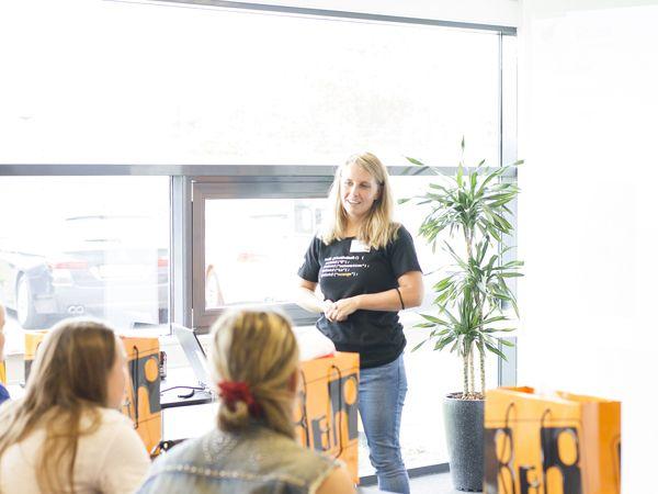 B&R´s Maria Gravesen, som har været med til at planlægge Girls' Day in Science hos B&R, var glad for at kunne medvirke til at kønssammensætningen fremadrettet måske kan ændre sig.