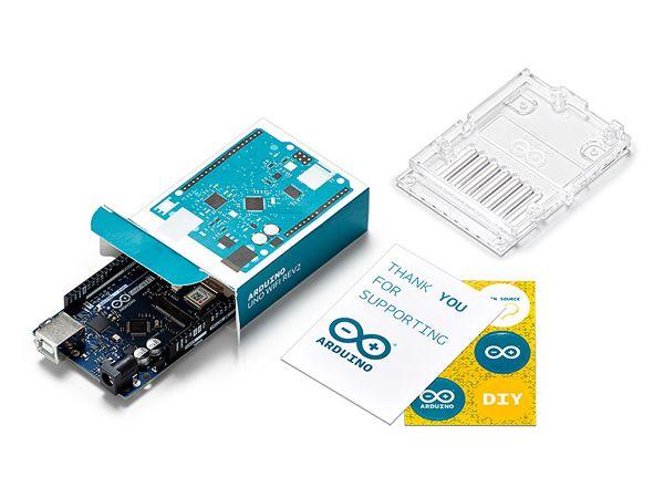 Med Plug-and-Play-funktion er Arduino Uno WiFi-kortet hurtigt klar til brug efter tilslutning til en computer via et USB-kabel, fremhæver RS.