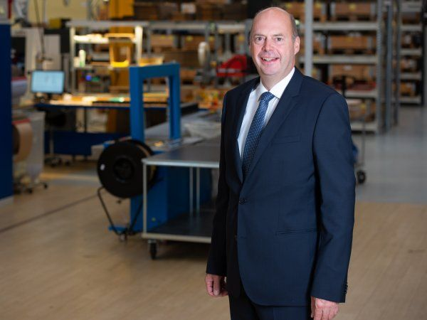 """""""Vi tænker ud af boksen og finder helt specielle forretningsområder, hvor vi kan tilbyde ekstra værdi. Det giver os øget konkurrencekraft,"""" siger Christen Espersen, der er manden bag Sønderborg-virksomheden MiniBooster Hydraulics."""