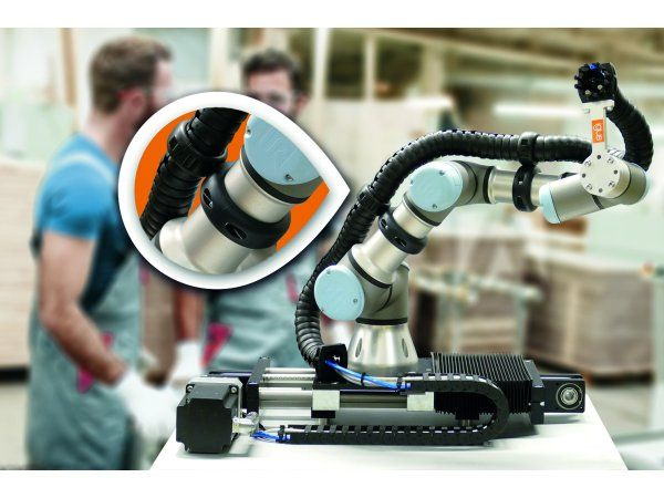Igus' spændekoncept til Triflex R-energikæder sikrer et sikkert samspil mellem menneske og maskine, fremhæver producenten.