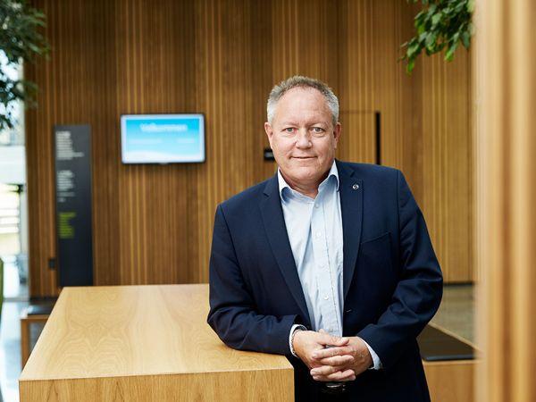 """""""Der er tale om lovsjusk, som vi på vegne af danskerne har ønsket at rette op på. Skattelovgivningen er aldrig blevet udformet af embedsværket og implementeret, som det var ønsket og besluttet af politikerne bag vandsektorloven. Men det har Højesteret nu rettet op på,"""" siger Danva-direktør Carl-Emil Larsen."""