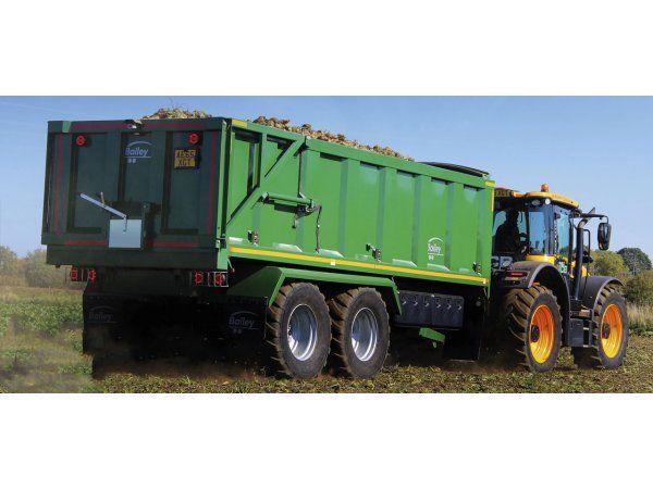 Migatronic Automation har vundet en millionordre på to ens svejserobotanlæg til Bailey Trailers' produktion af landbrugsvogne i England.