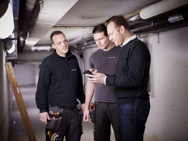 Lærlingene får nu Henrik Bossen som en fast kontaktperson. De ved, at de altid kan kontakte har for hjælp og spørgsmål til uddannelse og karriere. (Foto: Høyrup & Clemmensen)