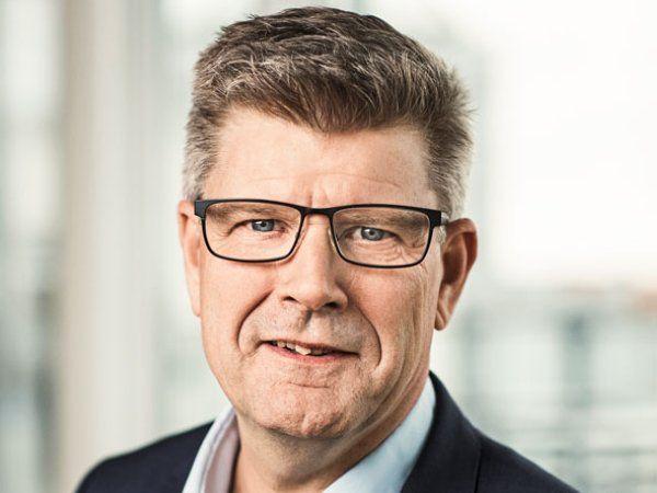 Lars Andersen, der er arbejdsmiljøchef i Lederne, er godt tilfreds med den brede politiske aftale på arbejdsmiljøområdet.