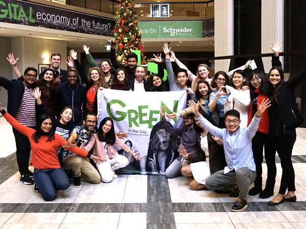 """""""Go Green in The City"""" er en årligt tilbagevendende konkurrence for studerende, som konkurrerer i at opfinde innovative løsninger til fremtidens smarte, energieffektive og bæredygtige byer."""