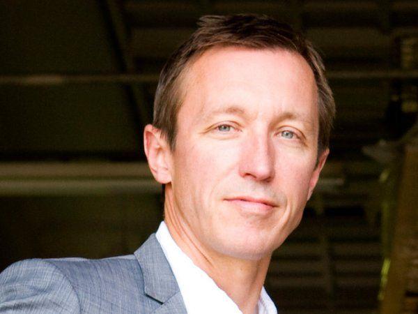 """CEO Søren Hovmand glæder sig over prisen som """"Årets Digitale SMV:Omstilling 2019""""."""