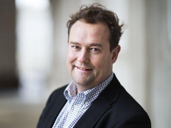 Den digitale løsning samler det at udfylde, underskrive, godkende og sende oprindelsescertifikater, eksportdokumenter og andre handelspapirer rundt i verden i én løsning, fremhæver salgschef Jesper Juul-Jensen, Dansk Erhverv.