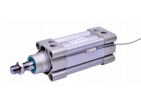 Til SAI-serien omfatter mulige fittings: Ledleje, gaffelled med sikringsbøjle, og universal ledleje. Forskellige monteringsbeslag til cylinder er også tilgængelige, fremhæves det.