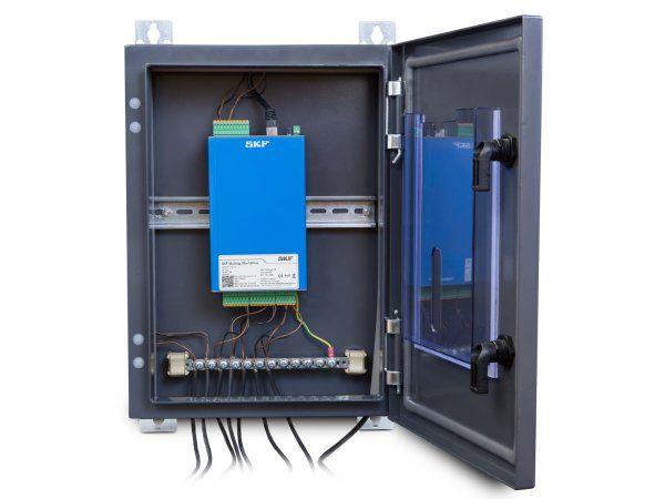 SKF Multilog IMx-16Plus har integrerede forbindelsesmuligheder via mobile data (3G/4G) eller Ethernet (RJ45 eller Wi-Fi). Endvidere 16 analoge input – typisk for vibrationssensorer, med mulighed for at håndtere op til otte direkte tilsluttede temperatursensorer, og desuden fire digitale kanaler til input fra hastighedssensorer.