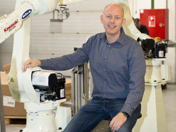 En pæn del af Bilas fremgang kan tilskrives positionen som Universal Robots danske forhandler. Et andet succesrigt agentur er Kawasaki, som Bila har haft i hele Norden gennem 20 år, og alene det seneste år er salget af disse industrirobotter mangedoblet, påpeger administrerende direktør Jan Bisgaard Sørensen.