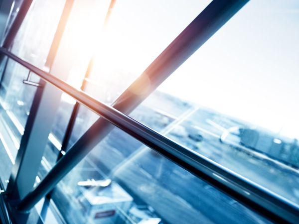 De fem største energislugere i virksomhederne er belysning, ventilationsanlæg, trykluftsanlæg, pumper samt proceskøling og -varme.