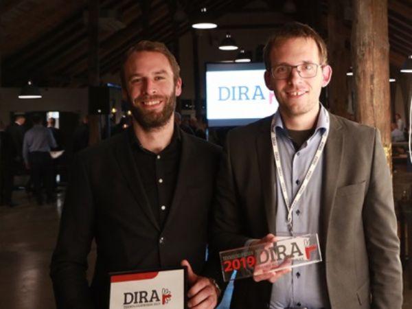 Enabled Robotics har torsdag aften fået tildelt DIRA Teknologiprisen 2019. Her ses firmaets stifter Lars-Peter Ellekilde (t.h.) og firmaets første udvikler, Thomas Fridolin Iversen (t.v.) med prisen.