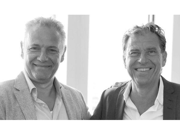 Wingmen-direktør Kåre Christensen (t.v.) og SecureLink-landechef Mårten Toll-Söderblom (t.h.) blæser til fælles kamp mod IT-kriminelle i forbindelse med deres konsortiums netop opnåede SKI-aftale.
