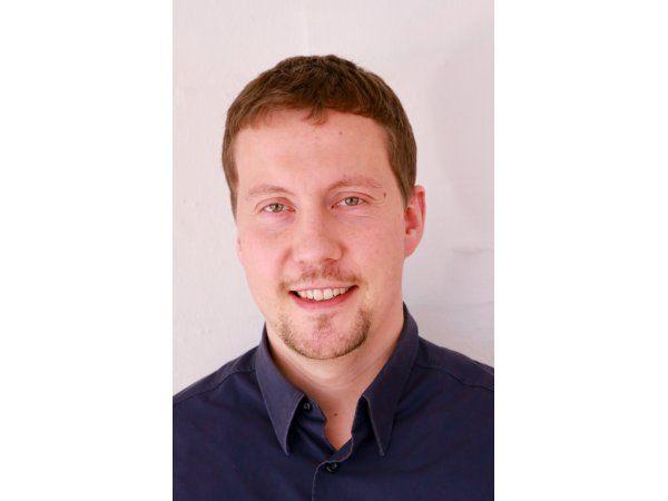 Jesper Mogensen har den rigtige uddannelsesmæssige baggrund og de rette interesser til jobbet i Develcos softwareteam, fremhæver virksomheden.