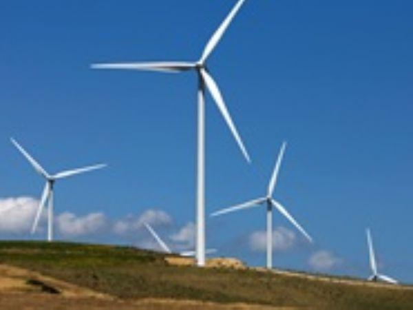 De 60 MegaWatt fordeler sig på 30 Vestas-vindmøller, fordelt på 29 styks V100-2.0 og en enkelt V90-2.0-vindmølle.