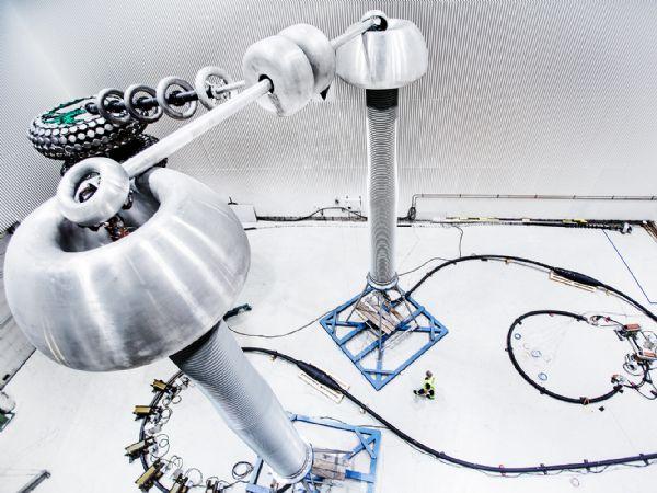 I NKT-testcentret har man kvalificeret 525 kiloVolt XLPE-højspændingslandkabler til jævnstrøm, der betegnes som er en milepæl i den europæiske transformation til grøn energi.