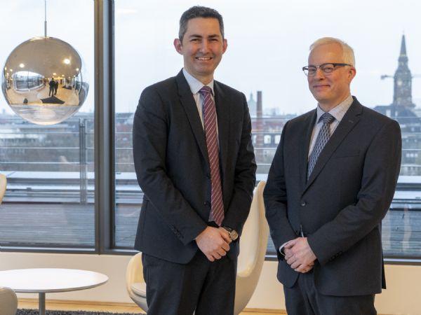 Deloitte kickstarter sin position som sælger af retail-software indenfor cyber-sikkerhed med købet af virksomheden Draware. Leder Serdar Cabuk, Deloittes Cyber Risk-afdeling (t.v.) og direktør Christian Schmidt, Draware (t.h.), melder sig klar til den samlende indsats.