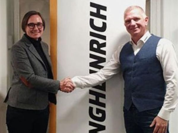 Med virkning fra årsskiftet 2019/2020 vil Carsten Duus (t.h.) overtage stillingen som direktør for Jungheinrich Danmark, hvor han afløser Martina Möller (t.v.).