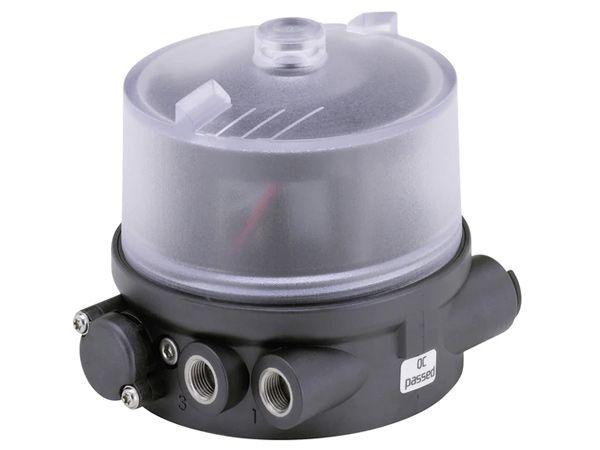 Med den pneumatiske styring type 8690 introducerer Bürkert en decentral automatisering af pneumatiske procesventiler.