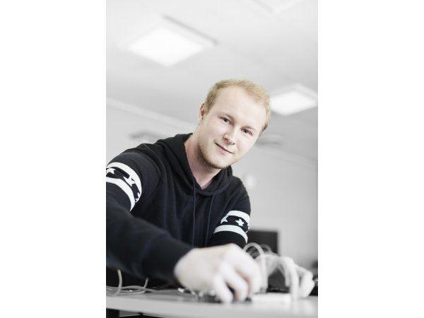 ZBC indbyder nu til de første AMU-kurser inden for elektronikproduktion på Sjælland, hvor blandt andet loddeteknik kommer i fokus.