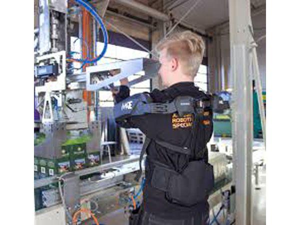 Comaus industrielle exoskeletoner MATE er nu tilgængelige på det danske marked, og demonstreres på Automationsdag '19.