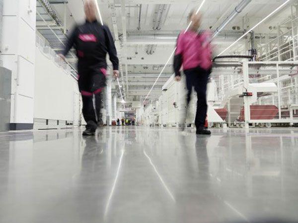 Ved Rittal-fabrikken i Haiger benyttes medarbejdernes kompetencer til at skabe og håndtere den intelligente fabrik, fremhæver producenten.