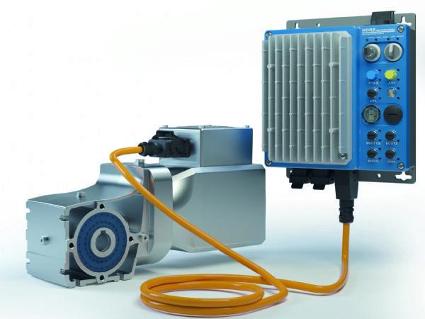 LogiDrive består af en energieffektiv permanent magnet-synkronmotor, et to-trins keglegear samt en Nordac Link-frekvensomformer.