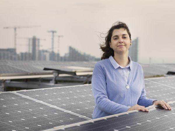 Tidlig og stabil grøn omstilling af energisystemet er billigst og mest realistisk, fremhæver AU-adjunkt Marta Victoria. (Foto: Ida Jensen/AU Foto)
