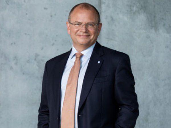 Overtagelsen af offshore-aktiviteterne i MHI Vestas Offshore optimerer offshore-vind-forretningen, understreger Vestas' administrerende direktør Henrik Andersen.