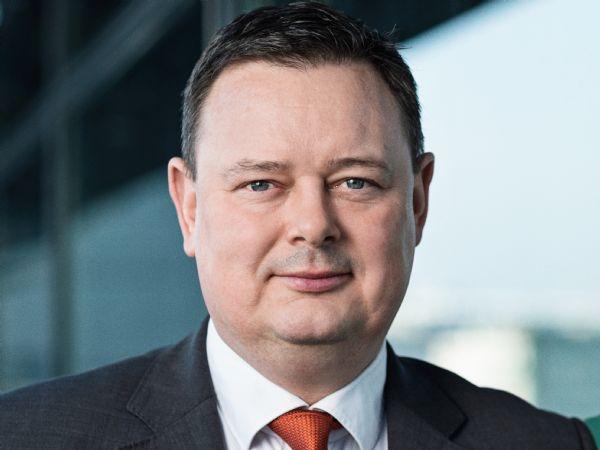 Webinarer kan lette vejen tilbage til jobs for over 50.000 ledige danskere, pointerer ASE-direktør Karsten Mølgaard Jensen.