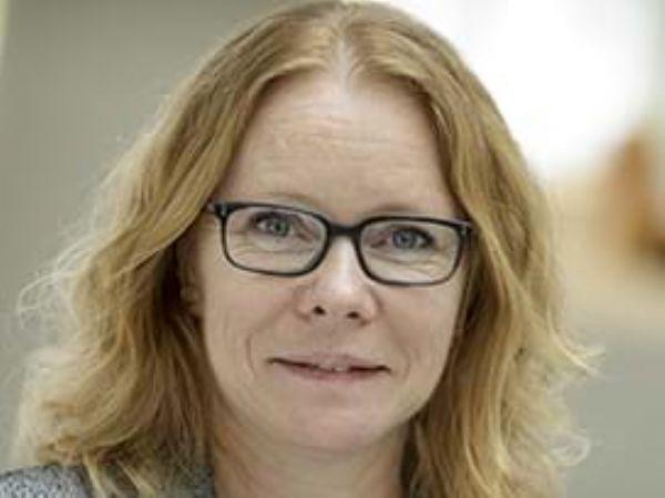DI's miljøpolitiske chef Karin Kligaard tilslutter sig et opgør med  ikke-nødvendig brug af PFAS-forbindelser, der af nogle bruges i muffinforme, regnfrakker og elektronik.