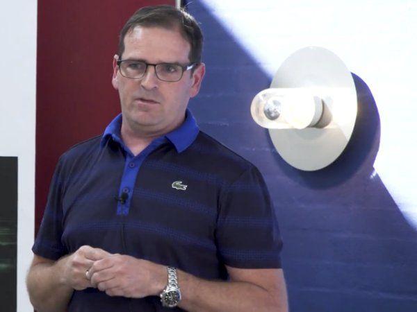 Xtel Wireless' direktør Torben Lund Clement, og firmaets øvrige team skal over det næste år bistå 18 virksomheder med forretningsudvikling i GenstartNU-projekt, finansieret af Industriens Fond.