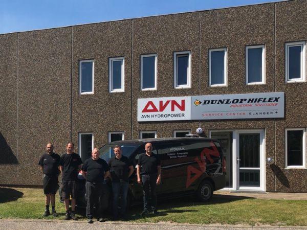 De frem montører ved AVN Hydropower kan nu brede sig over et større areal ved Aalborg-servicecentret, efter overtagelsen af naboen i DunlopHiflex-servicecentret,