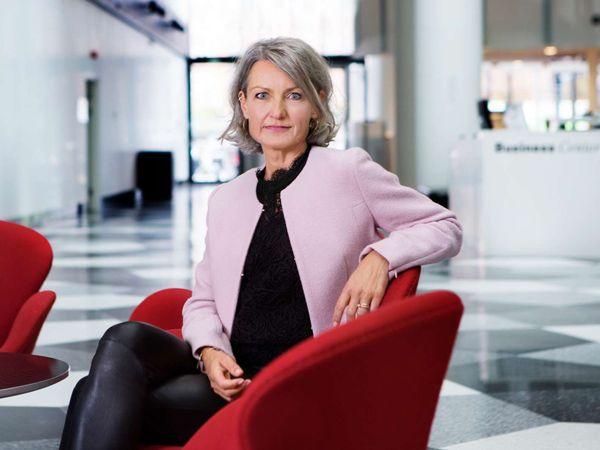 Vicedirektør i DI Henriette Søltoft peger på, at Erhvervsministeriets aktuelle fodaftryksrapport netop har vist, at der er vækst og grøn udvikling i Life Science-industrien. (Foto: DI)